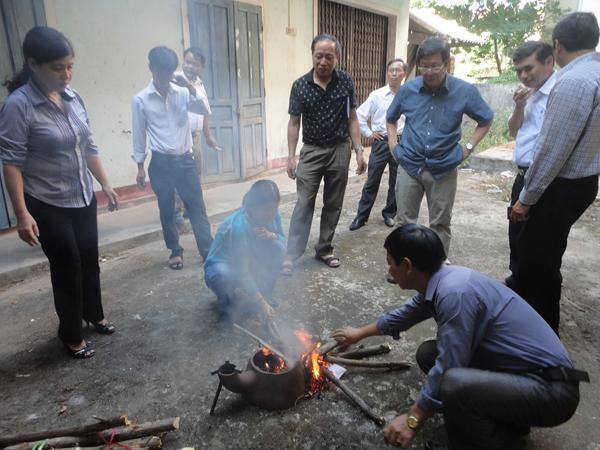 Hiệu quả từ mô hình bếp đun cải tiến BVMT ở vùng cao Quảng Trị